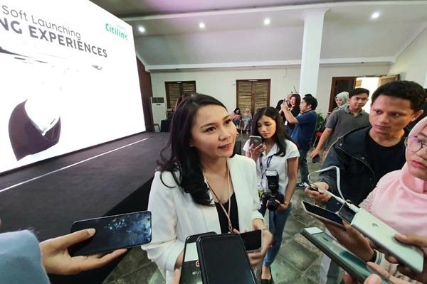 VP Sales & Distribution Citilink Indonesia Amalia Yaksa menjawab pertanyaan wartawan usai acara soft launching Dinning Experience, Rabu (3/7/2019). - Bisnis/Rio Sandy Pradana