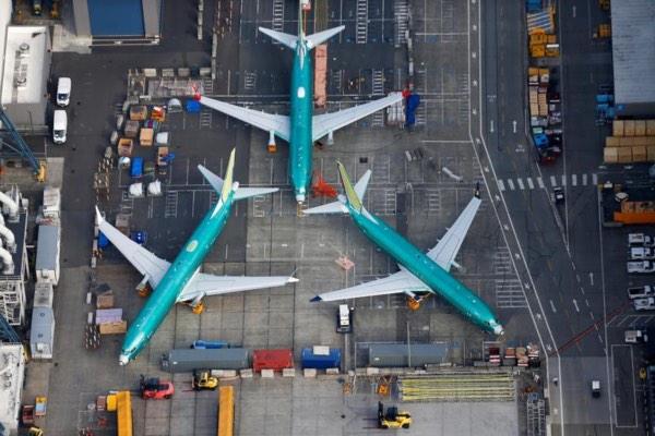 Foto udara yang menunjukkan pesawat 737 MAX buatan Boeing diparkir di pabrik Boeing di Renton, Washington, Kamis (21/3/2019). - Reuters/Lindsey Wasson