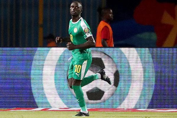 Striker Timnas Senegal Sadio Mane setelah mencetak gol ke gawang Kenya di Piala Afrika 2019. - Reuters/Suhaib Salem