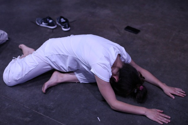 Salah satu peserta yoga - Reuters/Andres Martinez Casares