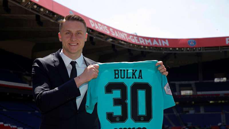Marcin Bulka, kiper baru Paris Saint-Germain. - en.psg.fr