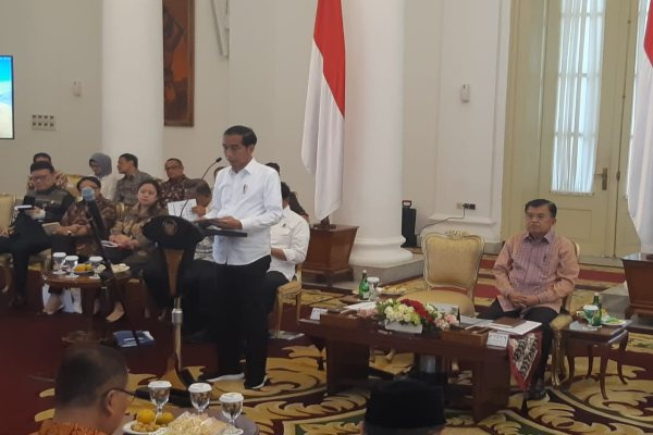 Presiden Joko Widodo dan Wakil Presiden Jusuf Kalla memimpin Rapat Kabinet. - Bisnis/Yodie Hardiyan