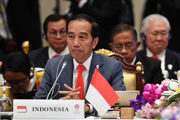 Presiden Joko Widodo mengikuti Sidang Pleno KTT ASEAN ke-34 di Bangkok, Thailand, Sabtu (22/6/2019). - ANTARA FOTO/Puspa Perwitasari