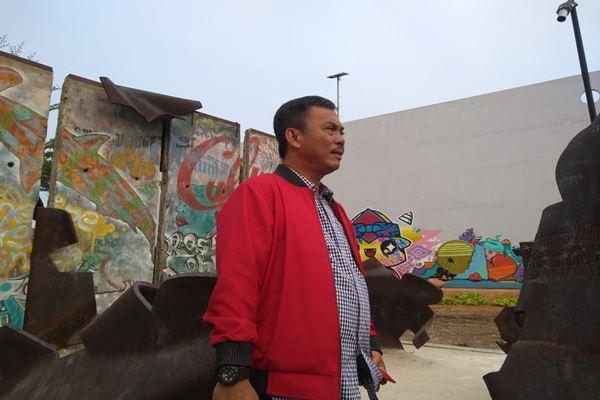 Ketua DPRD DKI Jakarta, Prasetyo Edi Marsudi meninjau Kali Item di Jakarta Pusat, Rabu (1/8). - JIBI/Regi Yanuar