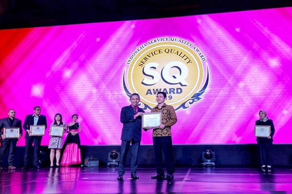 Steven Widi Head of Customer Service and Operations Pegipegi menerima Penghargaan SQA Award 2019 - istimewa