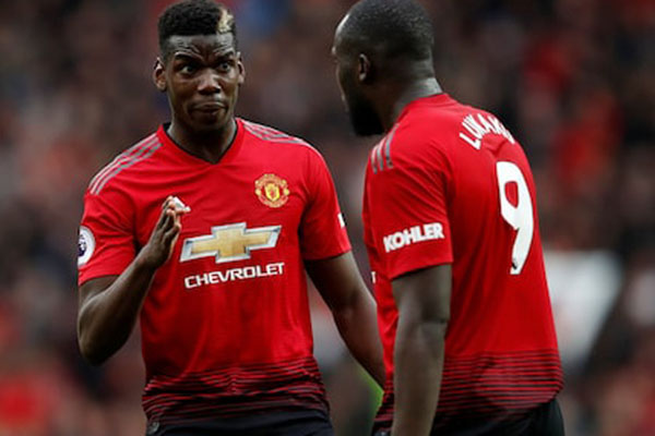 Dua pemain andalan Manchester United, Paul Pogba (kiri) dan Romelu Lukaku. - Reuters