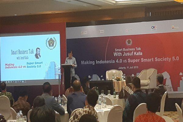 Wakil Presiden Jusuf Kalla meminta pelaku bisnis dan industri fokus meningkatkan ekonomi dan mengurangi pembahasan seminar Industri 4.0 di Hotel Arya Duta Jakarta, Kamis (11/7/2019). - Bisnis/Anggara Pernando