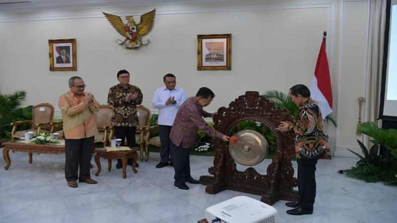 Wakil Presiden Jusuf Kalla membuka acara Rating Kota Cerdas Indonesia di Istana Wakil Presiden Jakarta, Jumat (12/7/2019). JIBI/Bisnis - Anggara Pernando
