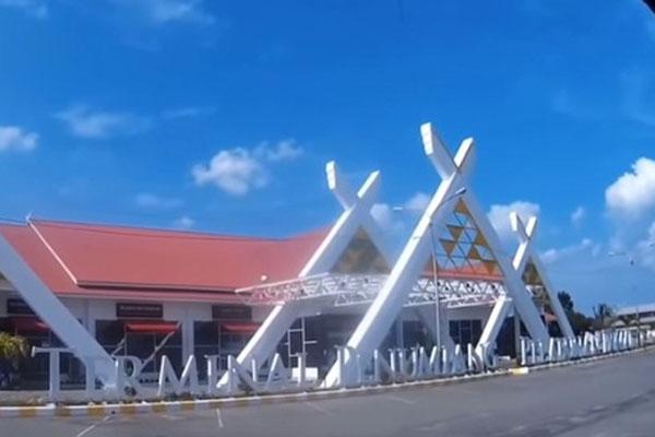 Terminal penumpang Pelabuhan Dumai di Riau. - YouTube