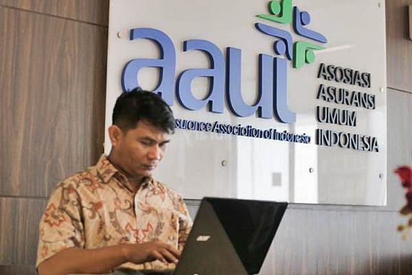 Karyawan beraktivitas di Kantor Asosiasi Asuransi Umum Indonesia (AAUI), Jakarta, Rabu (3/1/2019). - Bisnis/Felix Jody Kinarwan