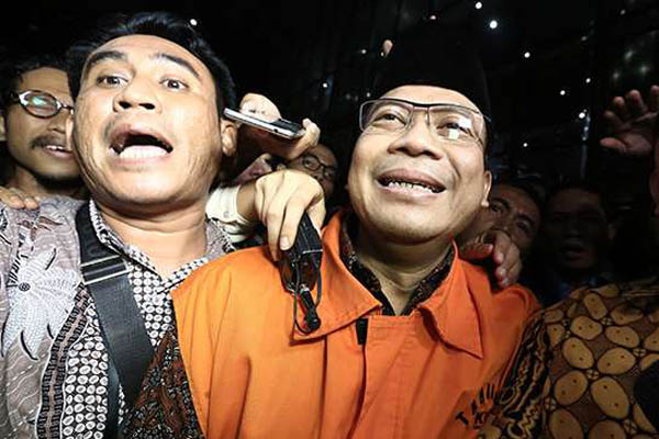 Wakil Ketua DPR Taufik Kurniawan (kanan). - Antara/Wibowo Armando