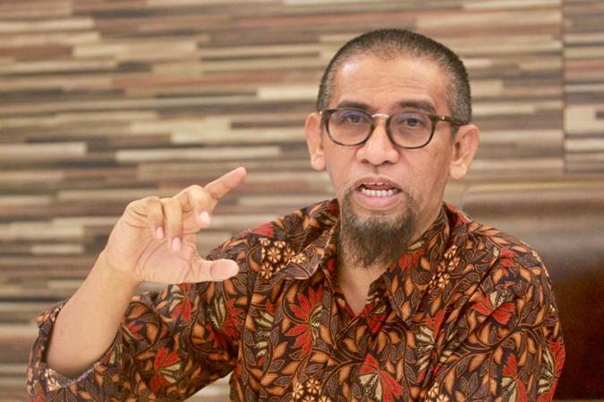 Direktur Utama PT Pelabuhan Indonesia IV Farid Padang memberikan keterangan saat kunjungan tim perwakilan Bisnis Indonesia Makassar ke kantor Pelindo IV, Senin (24/6/2019). - Bisnis/Paulus Tandi Bone