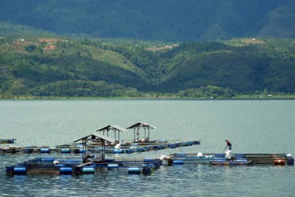 Danau Singkarak di Sumatra Barat. - Antara/Iggoy El Fitra