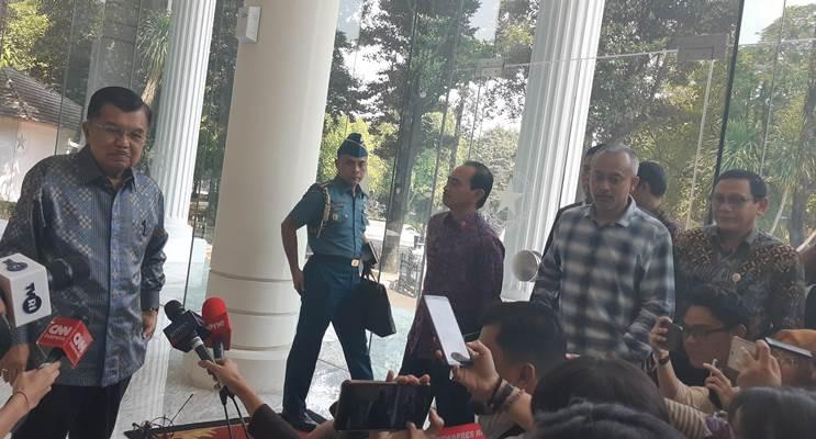 Wakil Presiden Jusuf Kalla saat konferensi pers mingguan, Selasa (17/7/2019). - Bisnis/Anggara Pernando
