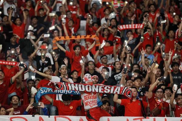 Suporter Timnas Indonesia. - Bisnis