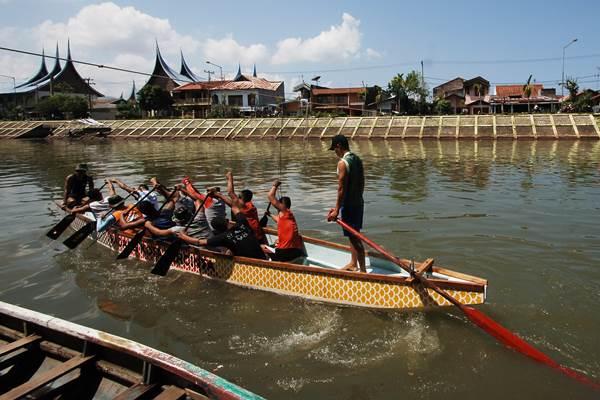 Dragon Boat - Antara/Iggoy el Fitra