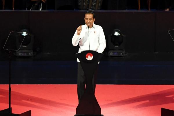 Presiden terpilih Joko Widodo menyampaikan pidato pada Visi Indonesia di Sentul International Convention Center, Bogor, Jawa Barat Minggu (14/7/2019). - ANTARA FOTO/Hafidz Mubarak A