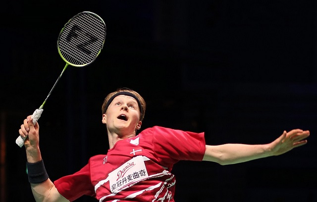 Anders Antonsen melaju ke perempat final setelah Shi Yuqi tidak bisa melanjutkan pertandingan di Indonesia Open 2019. - BWF