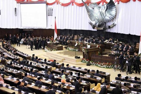 Anggota dewan mengikuti sidang paripurna Majelis Perwakilan Rakyat (MPR) di Jakarta, Jumat (14/8). - JIBI/Abdullah Azzam
