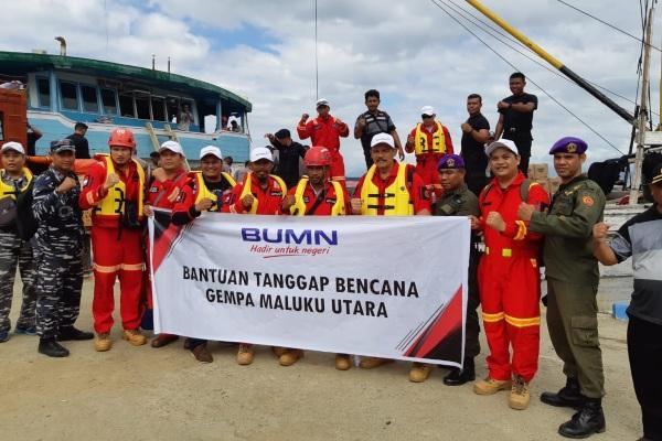 Tim PT Aneka Tambang Tbk. (Antam) mendistribusikan bantuan bagi para korban gempa di Maluku Utara. Perusahaan tambang ini juga menjadi koordinator penyaluran bantuan BUMN Peduli untuk wilayah tersebut. - Dok. Antam