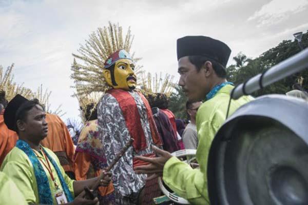 Kesenian Betawi ondel-ondel - Antara/Aprilio Akbar