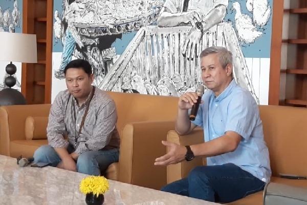 SVP Customer Care Bank Mandiri Lila Noya dan Corporate Secretary Bank Mandiri Rohan Hafas