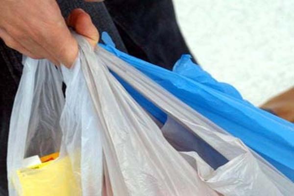 Kantong plasti. - Ilustrasi/pranaindonesia.wordpress.com