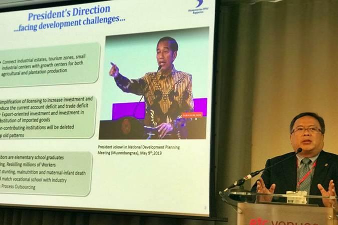 Menteri PPN/Kepala Bappenas Bambang Brodjonegoro memaparkan arah pembangunan ekonomi Indonesia 2020-2024 kepada investor terkemuka dari Inggris dalam Indonesia Infrastructure Investment Forum yang diselenggarakan Indonesia Investment Promotion Center di London, Inggris, Selasa (2/7/2019). - ANTARA FOTO/HO