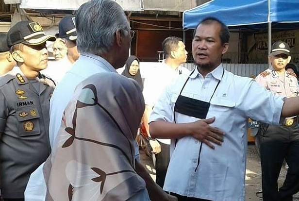 Pj Dirut PD Pasar Bermartabat Andri Salman (kedua kanan) dalam salah satu kegiatan PD Pasar - Istimewa