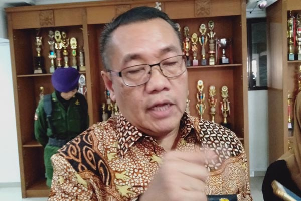 Direktur Jenderal Penyediaan Perumahan Kementerian PUPR Khalawi Abdul Hamid saat memberikan keterangan kepada wartawan di Semarang.