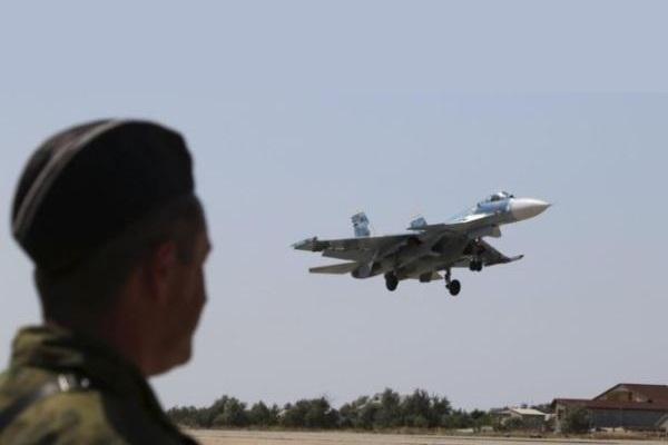 Ilustrasi: Pesawat Rusia SU-33 - Reuters/Pavel Rebrov