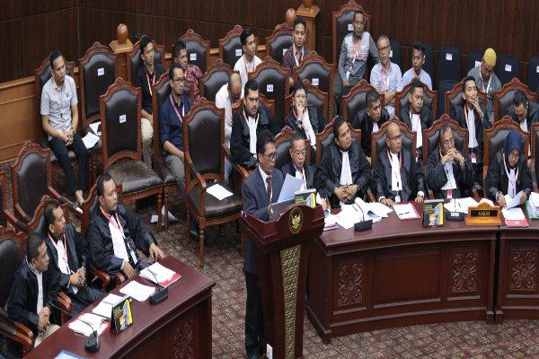 Salah satu saksi ahli memberikan keterangan di Mahkamah Konstitusi dalam sidang sengketa hasil Pemilihan Legislatif 2019. - MK