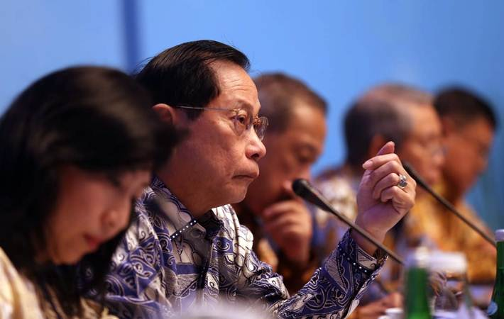 Presiden Direktur PT Bank Central Asia Tbk (BCA) Jahja Setiaatmadja memberikan penjelasan pada paparan kinerja keuangan kuartal I/2019, di Jakarta, Kamis (25/4/2019). - Bisnis/Nurul Hidayat