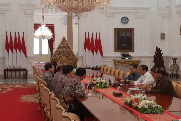 Presiden Joko Widodo menerima delegasi Hyundai Motors Group di Istana Merdeka, Kamis (25/7/2019). - Bisnis/Amanda K. Wardhani