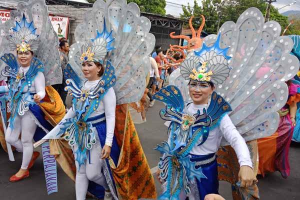 Parade Fish and Coral (Fisco) menjadi pembuka gelaran Manado Fiesta 2018, Jumat 31 Agustus 2018. - Bisnis/Deandra Syarizka