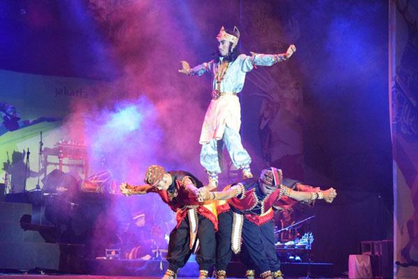 Penampilan Sanggar Muli Mekhanai di ajang Duta Seni Pelajar Nusantara (DSPN) di Panggung Pantai Carnaval, Ancol, Jakarta. - Istimewa