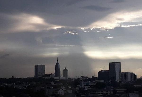 Langit Jakarta - Bisnis.com/Andhika Anggoro
