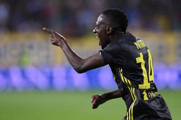Gelandang Juventus Blaise Matuidi - Reuters/Alberto Lingria