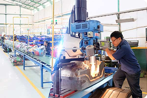 ilustrasi industri manufaktur - Foto SHP Toys