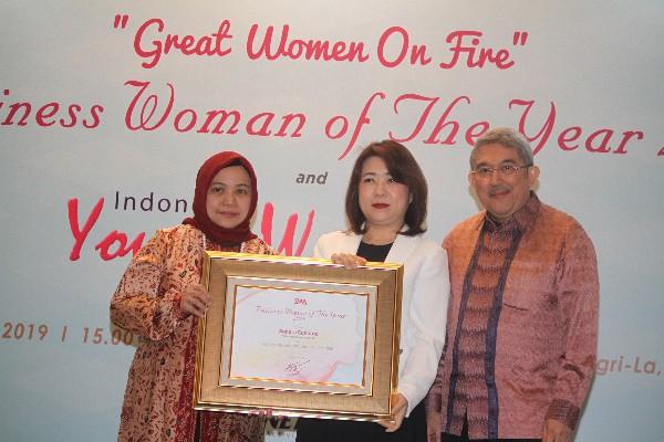 Dirut Hartadinata Raih Penghargaan Indonesia Business Women Of The Year Market Bisnis Com