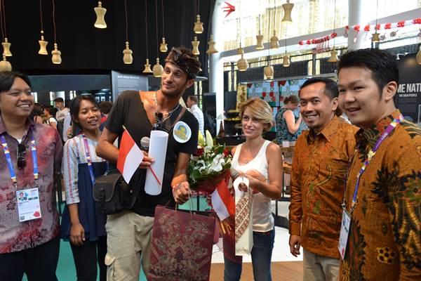 Ivan Cignetti dari Livorno, Italia pengunjung kesejuta Paviliun Indonesia di World Expo Milano 2015 - Istimewa