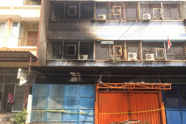 Kondisi Rumah yang terbakar di Jalan K Teluk Gong, Penjagalan, Penjaringan, Jakarta, Senin (5/8/2019). - Antara