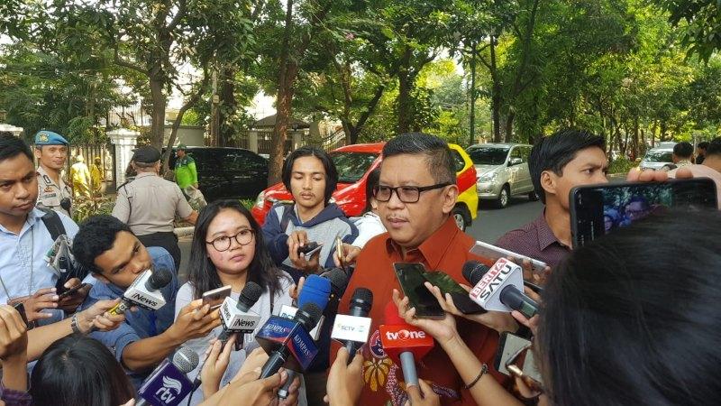 Sekretaris Jenderal (Sekjen) PDI Perjuangan Hasto Kristiyanto memberikan keterangan kepada wartawan di Jalan Teuku Umar, Jakarta Pusat, Rabu (24/7/2019). - Bisnis/Lalu Rahadian