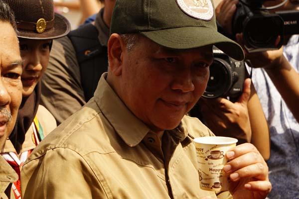 : Direktur Jenderal (Dirjen) Konservasi Sumber Daya Alam  dan Ekosistem (SDAE) KLHK Wiratno dalam kunjungan kerja di Batam - Bisnis/Bobi Bani.