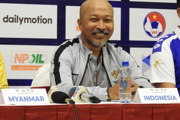 Pelatih Timnas Indonesia U-18, Fakhri Husaini - PSSI