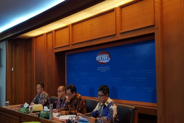 Kementerian Luar Negeri menggelar press brifieng mingguan, Jakarta, Selasa (6/8/2019) - Bisnis/Denis Riantiza M