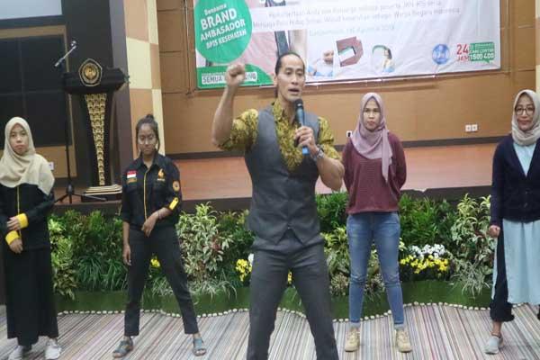 Brand Ambasador BPJS Kesehatan Ade Rai saat memberikan materi tentang pola hidup sehat - Arief Rahman