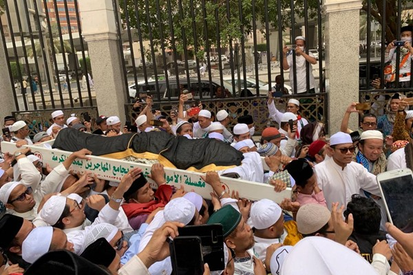 Jenazah KH Maimun Zubair sebelum dimakamkan di Ma'La, Makkah Arab Saudi - Bisnis/Hery Trianto