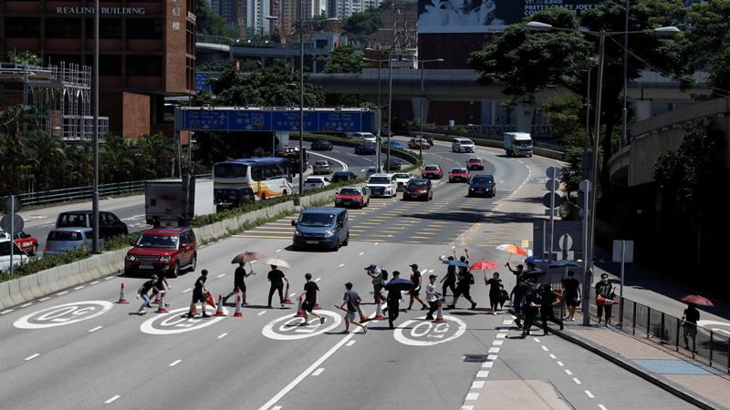 Pemrotes pro-demokrasi melancarkan aksi di seluruh kota untuk meningkatkan tekanan kepada para pemimpin saah satu pusat keuangan dunia tersebut., 5 Agustus 2019. - Reuters