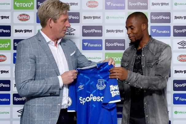 Pemain baru Everton, Djibril Sidibe - Everton